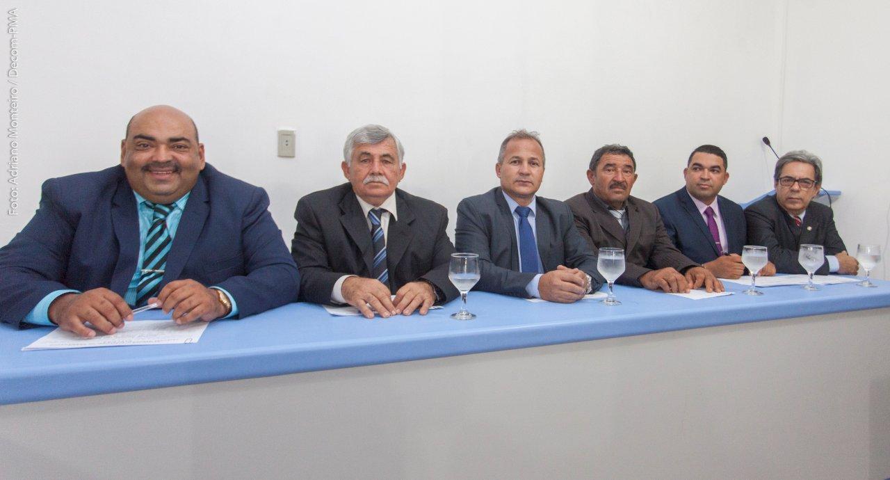 Gordo de Zelito assume presidência e Thiago Nunes toma posse na Câmara de Agrestina